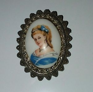 20TH CENTURY LIMOGES HAND PAINTED BROOCH/PENDANT